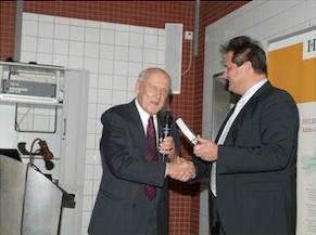 Herr Professor Dr. Rüssmann nach seinem Bericht über die Zusammenarbeit mit den Ärzten in Litauen.